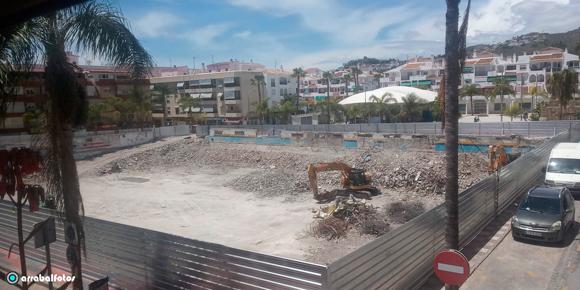 Demolición Obras de Derribo del Mercado Municipal de Almuñécar, Viernes 15 de Mayo de 2020