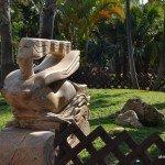 Escultura nujer volando en El Parque Majuelo