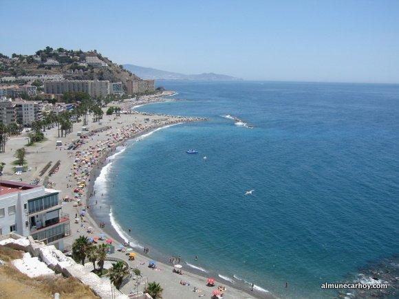 Playa Puerta del Mar desde el Castillo de San Miguel