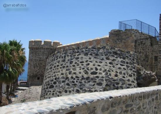 Torre inclinada del Castillo de San Miguel de Almuñécar