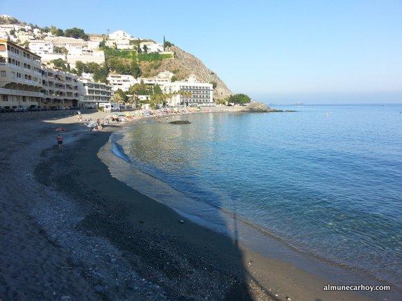 Aguas transparentes de Playa Cotobro