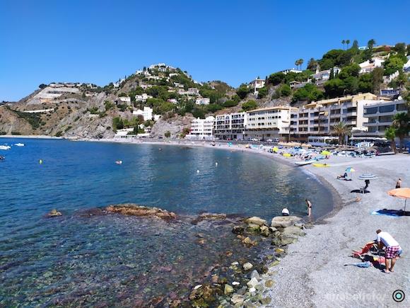 Playa de Cotobro frente al Hotel, en Almuñécar