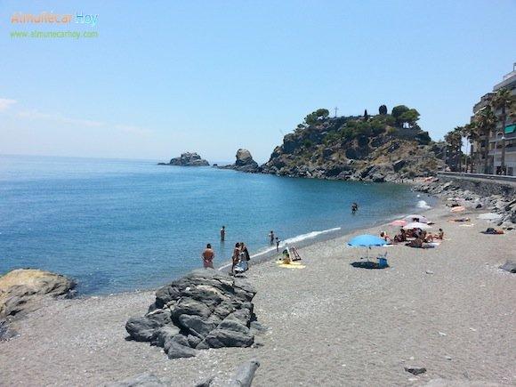 Antigua Playa Caletilla junto al Peñón del Santo en Almuñécar