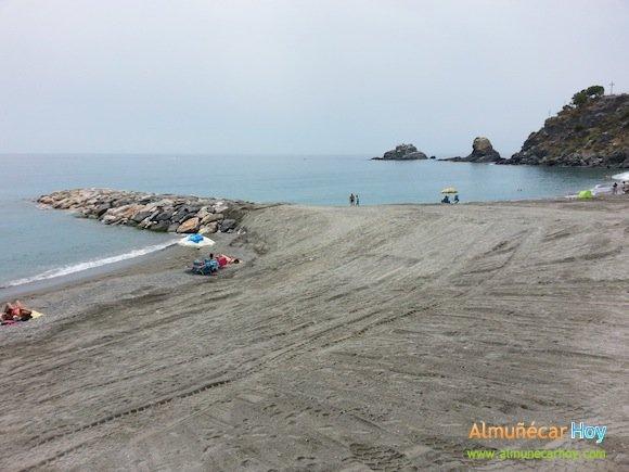 Nuevo espigón entre Playa Puerta del Mar y Playa Caletilla en Almuñécar