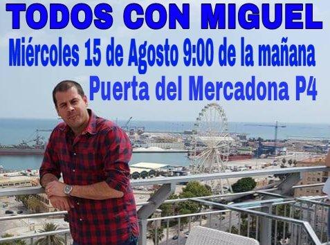 Manifestación en apoyo a Miguel, el pescadero despedido por Mercadona